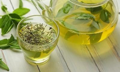zelený, černý čaj